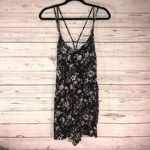 American Eagle Outfitters Dresses & Skirts - American Eagle Flower Romper Dress Medium (F)
